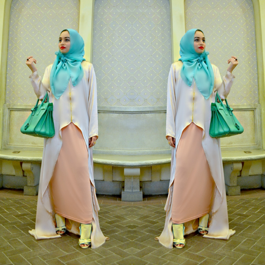 The Sierra Beige and Gold HIlow paired with the Salmon Pencil Skirt both from Abaya Addict.